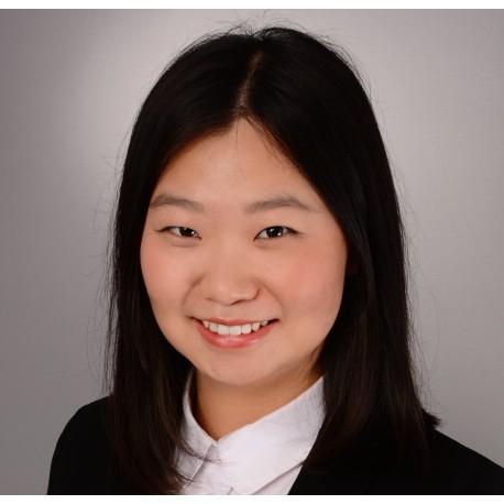 Julie LinkedIn Secteur Luxe