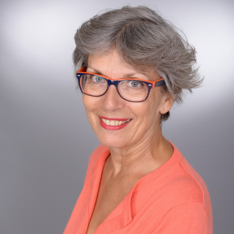 photo professionnelle linkedin avec lunettes